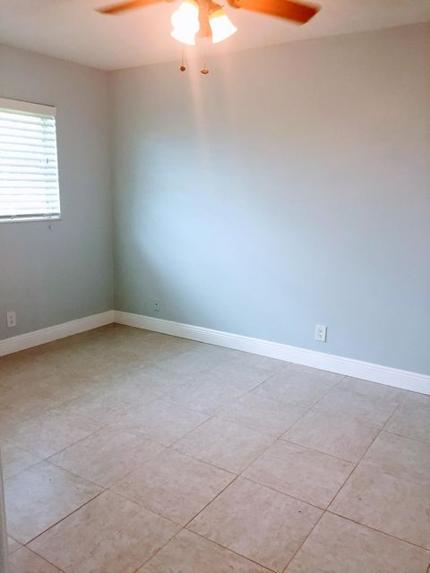 Additional photo for property listing at 2941 Crosley Drive W  West Palm Beach, Florida 33415 Estados Unidos