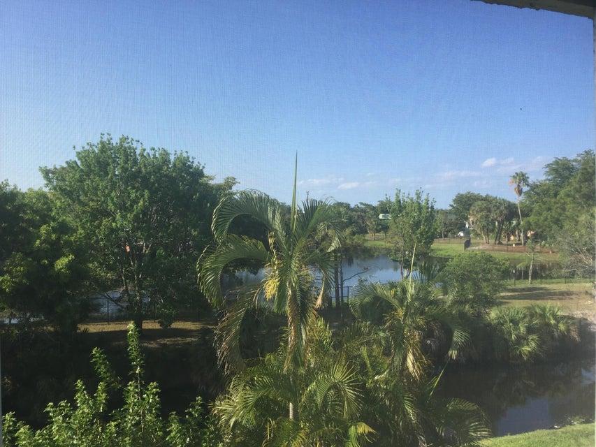 729 Lori Drive 306, Palm Springs, FL 33461
