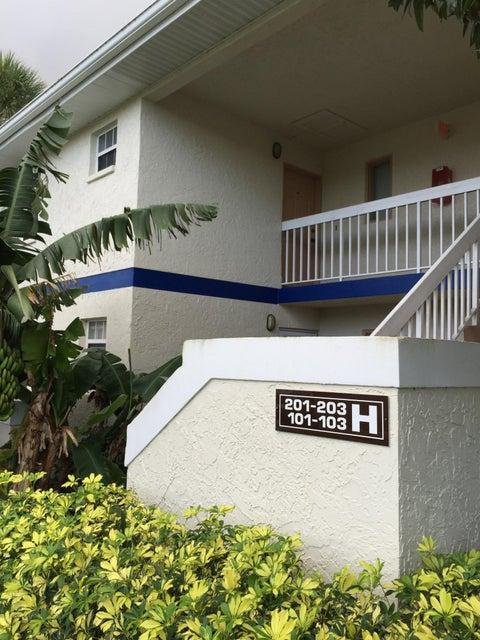 1512 SE Royal Green Circle SE 203, Port Saint Lucie, FL 34952