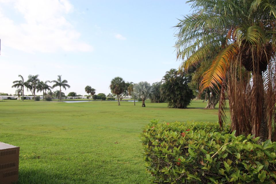Additional photo for property listing at 300 SW Golfview Terrace  Boynton Beach, Florida 33426 United States