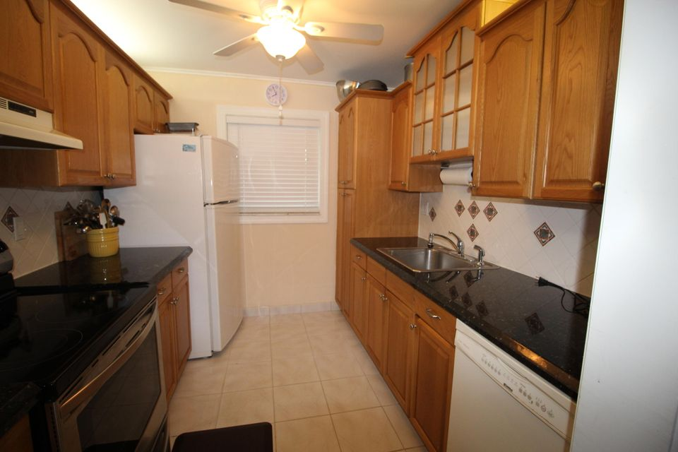 Additional photo for property listing at 300 SW Golfview Terrace 300 SW Golfview Terrace Boynton Beach, Florida 33426 Estados Unidos