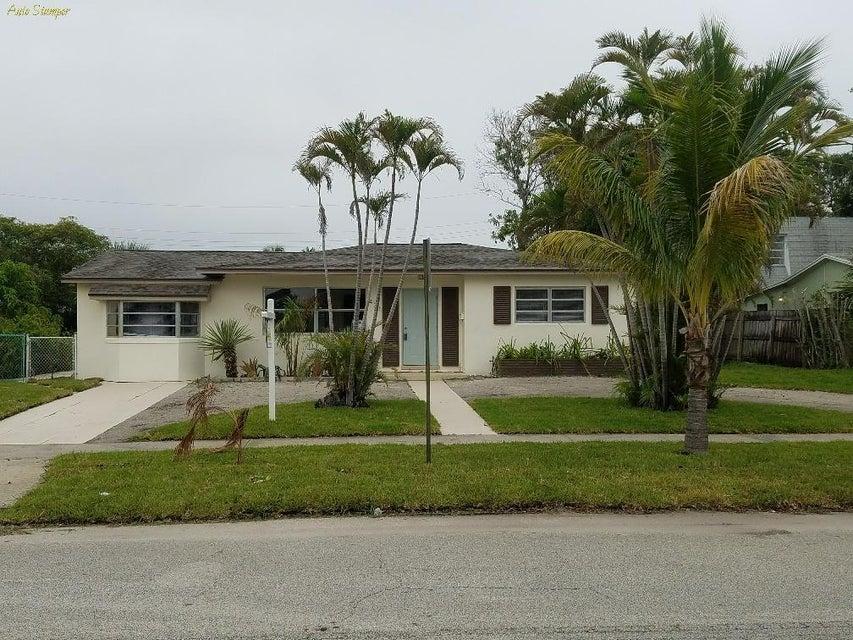 431 Date Palm Drive, Lake Park, FL 33403