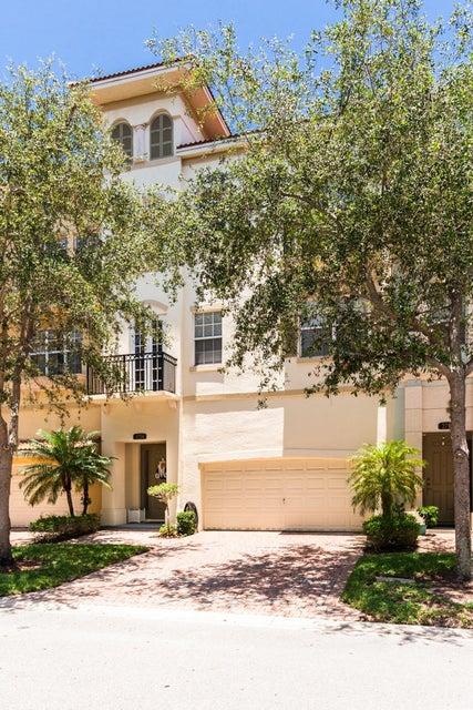 2774 Ravella Way, Palm Beach Gardens, FL 33410