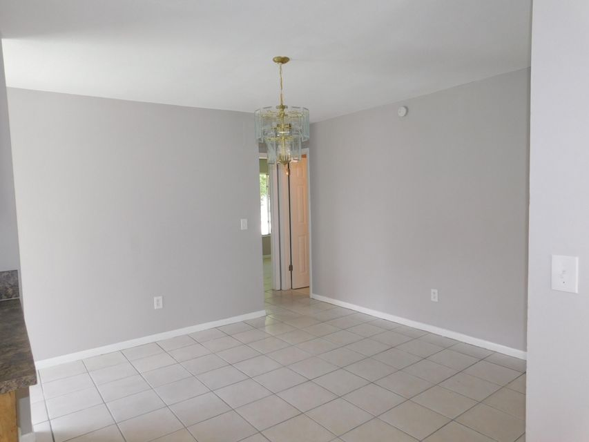 Additional photo for property listing at 845 8th Street  Hallandale Beach, Florida 33009 Estados Unidos