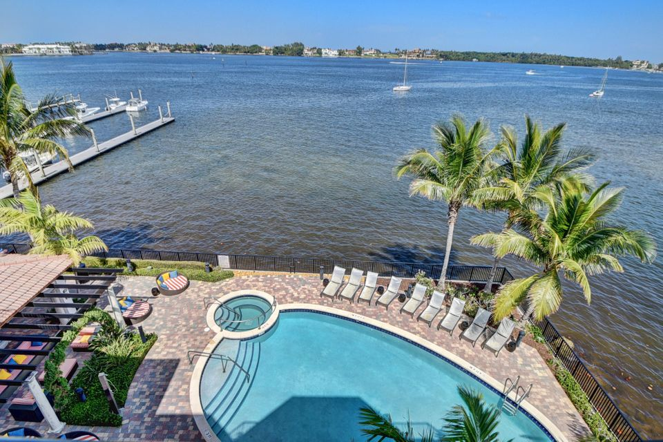 Co-op / Condo for Sale at 2700 N Federal Highway 2700 N Federal Highway Boynton Beach, Florida 33435 United States