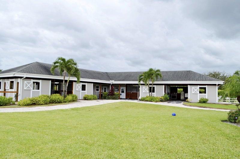 2080 Canter Way Barn, Wellington, FL 33414