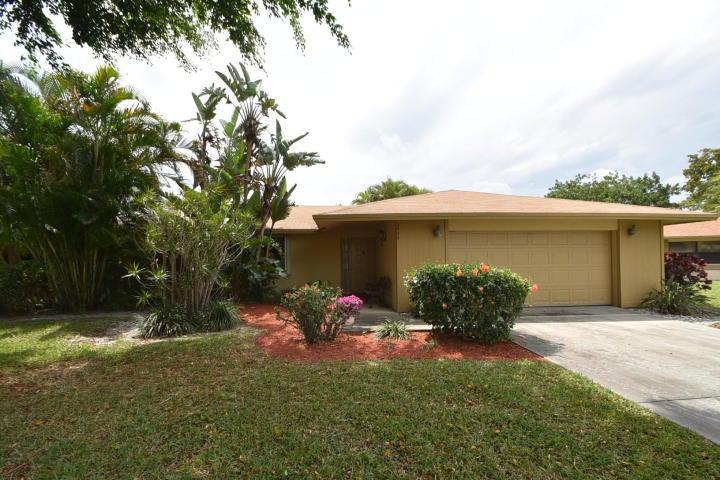 2444 NW 8th Street, Delray Beach, FL 33445