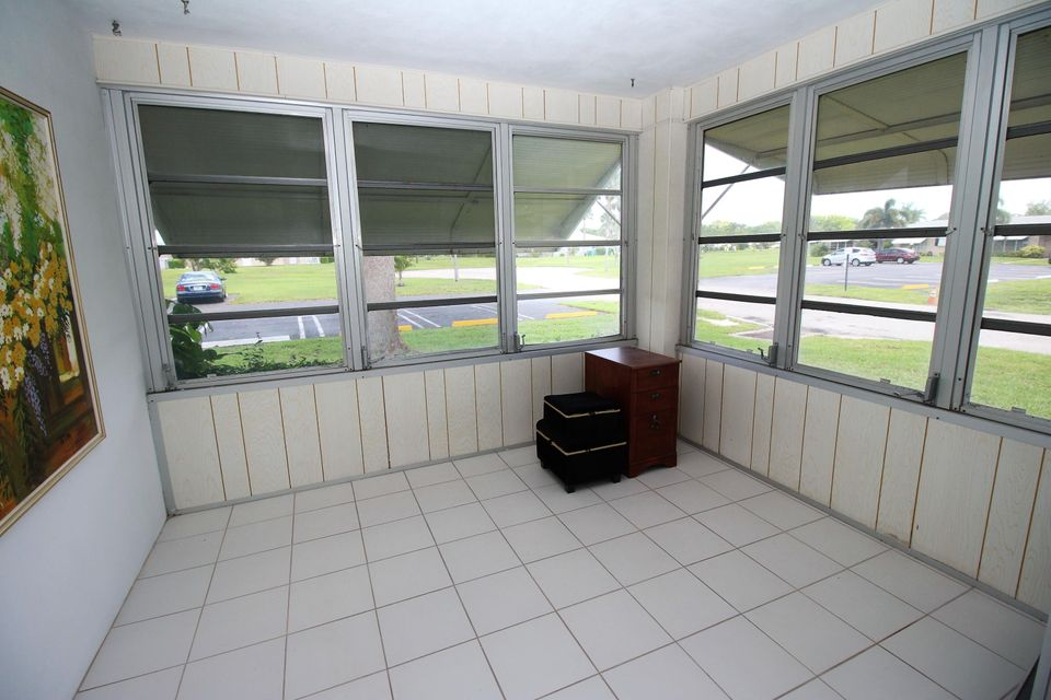 Additional photo for property listing at 1047 Circle Terrace E 1047 Circle Terrace E Delray Beach, Florida 33445 Vereinigte Staaten