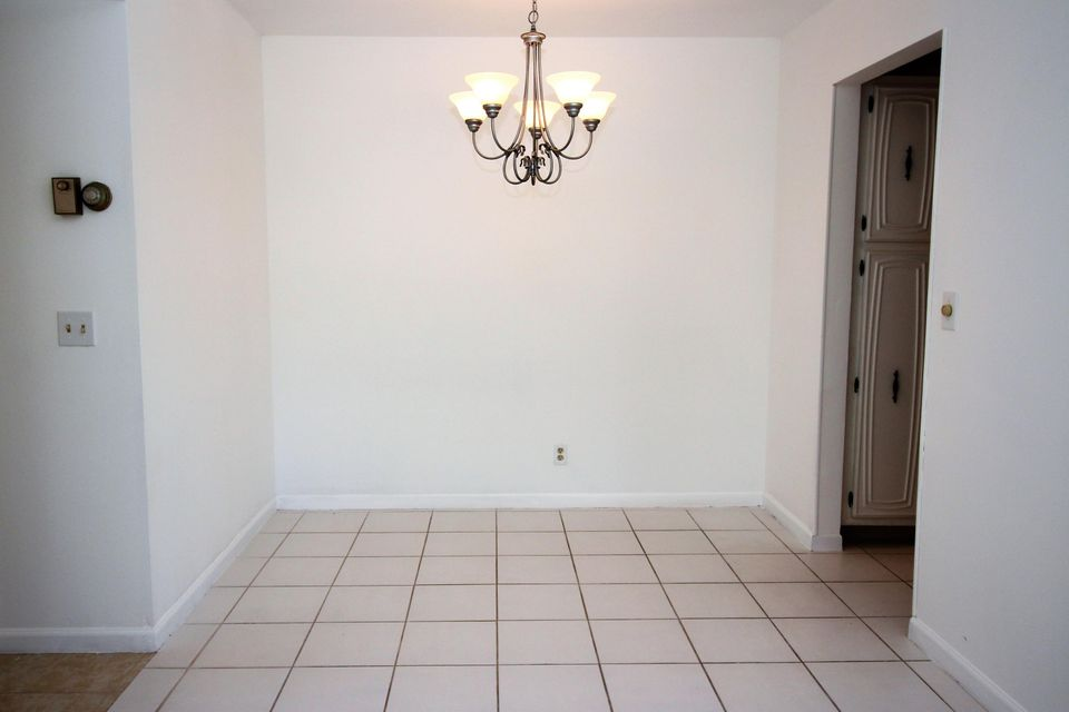 Additional photo for property listing at 1047 Circle Terrace E  Delray Beach, Florida 33445 Vereinigte Staaten