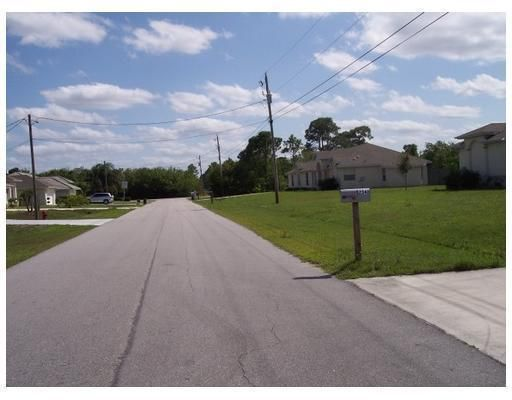 Additional photo for property listing at 6240 NW Gisela Street  Port St. Lucie, Florida 34986 Vereinigte Staaten