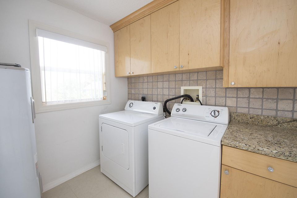 Additional photo for property listing at 1624 NE 24th Street 1624 NE 24th Street Jensen Beach, Florida 34957 États-Unis