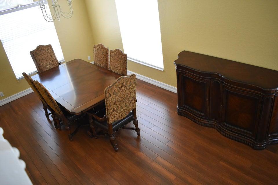 # 15 Dining Room