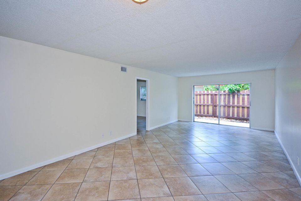 Additional photo for property listing at 308 Southwind Court  North Palm Beach, Florida 33408 United States