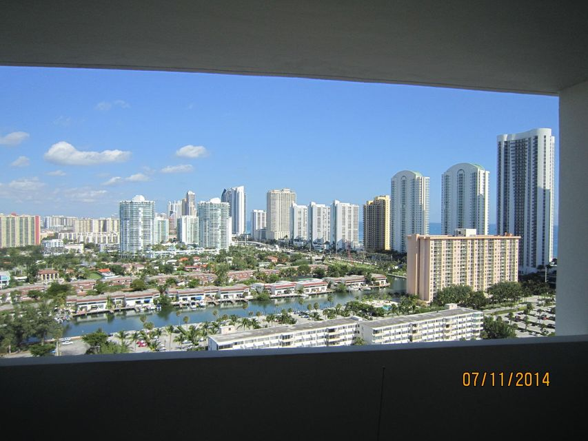 Condominium for Sale at 300 Bayview Drive # Ph01 300 Bayview Drive # Ph01 Sunny Isles Beach, Florida 33160 United States