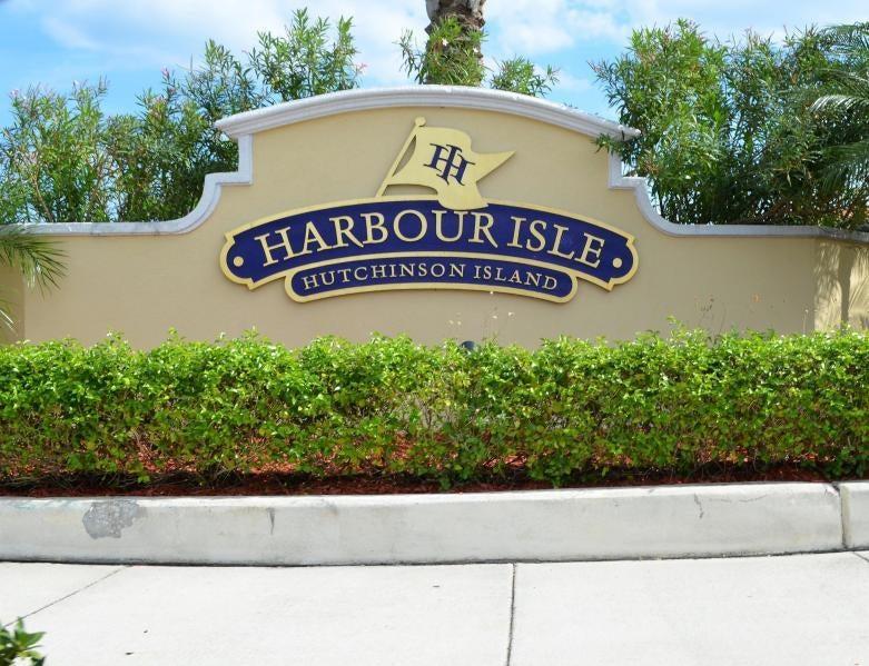 1 Harbour Isle Drive E 4, Hutchinson Island, FL 34949