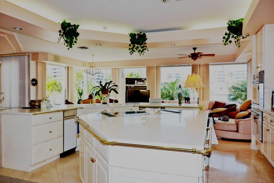 Kitchen(a)