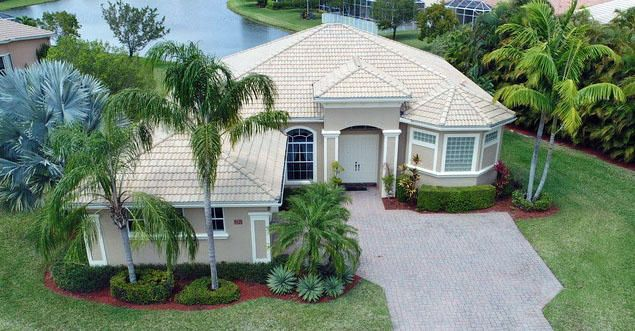 9429 Lantern Baycircle Circle, West Palm Beach, FL 33411