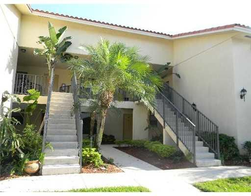 1580 Windorah Way G , West Palm Beach FL 33411 is listed for sale as MLS Listing RX-10338413 14 photos