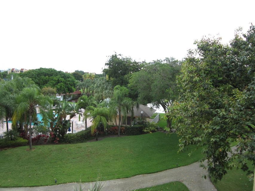 Additional photo for property listing at 2255 Lindell Boulevard 2255 Lindell Boulevard Delray Beach, Florida 33444 Vereinigte Staaten