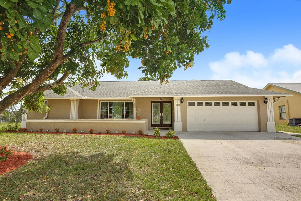 129 Sunflower Circle  Royal Palm Beach, FL 33411