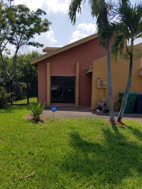 2221 NW 55th Terrace, Lauderhill, FL 33313