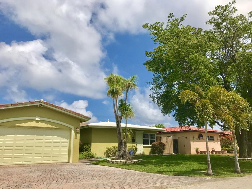 Single Family Home for Sale at 2308 NE 18th Avenue 2308 NE 18th Avenue Wilton Manors, Florida 33305 United States