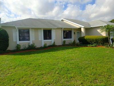 2418 SW Warwick Street, Port Saint Lucie, FL 34984