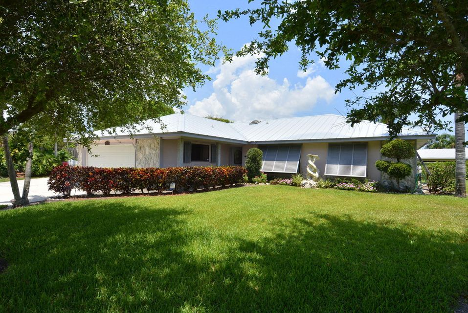 Single Family Home for Sale at 8141 SE Royal Street 8141 SE Royal Street Hobe Sound, Florida 33455 United States