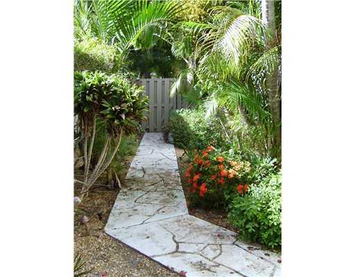 Entry walkway