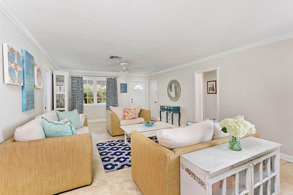 05 Livingroom1