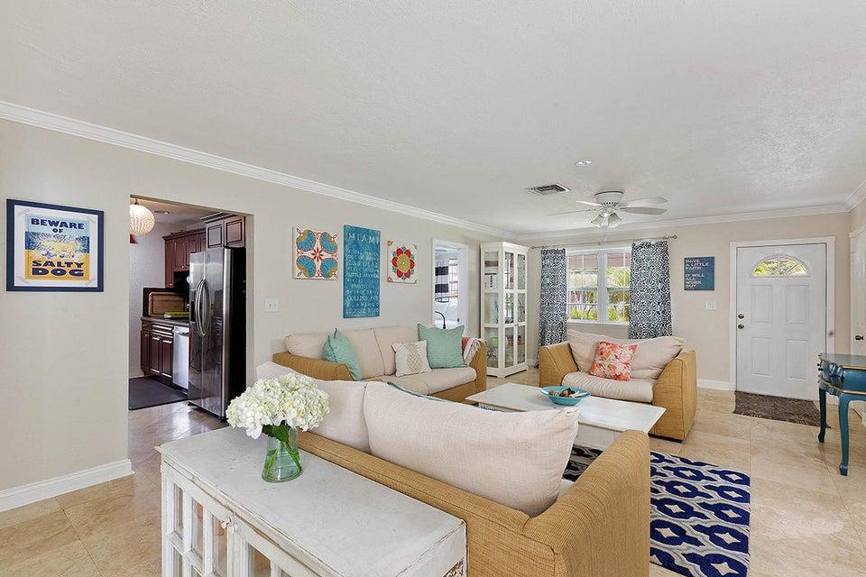 06 Livingroom Layout1