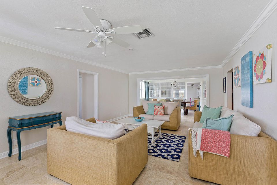 07 Livingroom Layout2