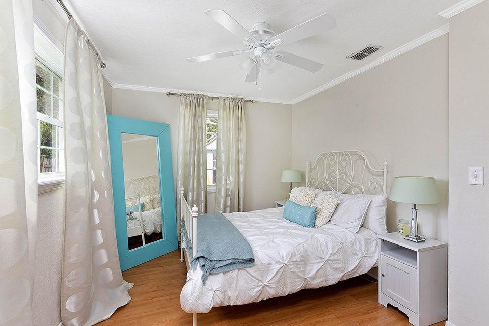 19 Bedroom3 1