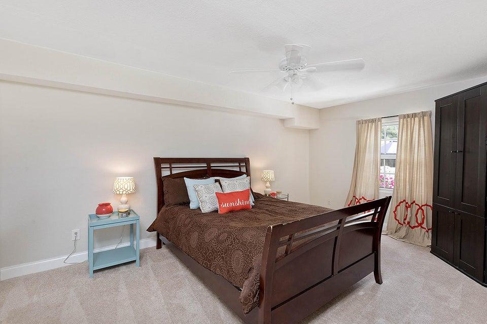 24 Bedroom4