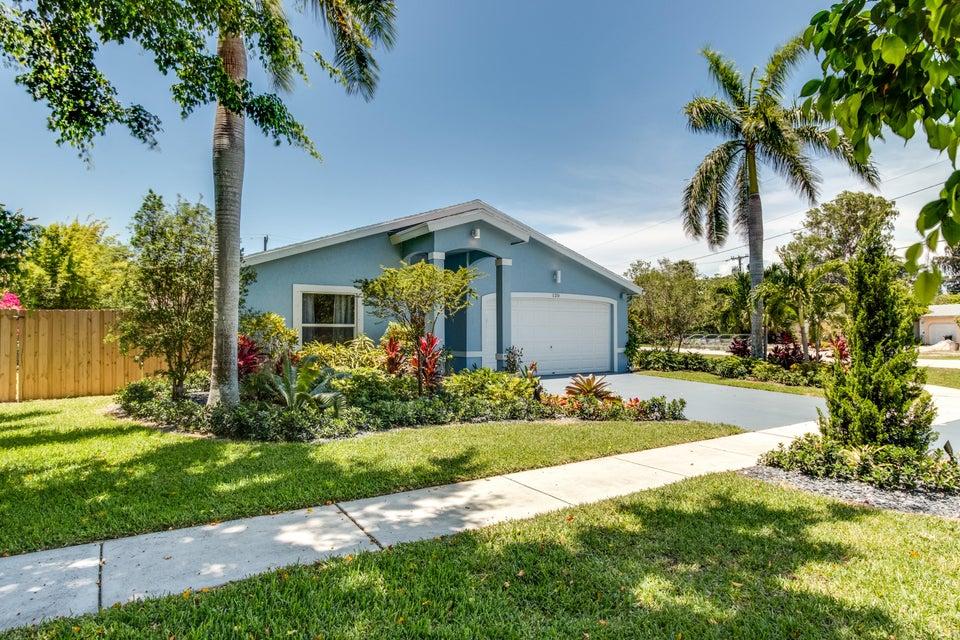 120 Palamino Circle, Boca Raton, FL 33487