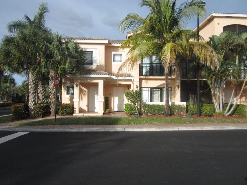 2808 Amalei Drive 101, Palm Beach Gardens, FL 33410
