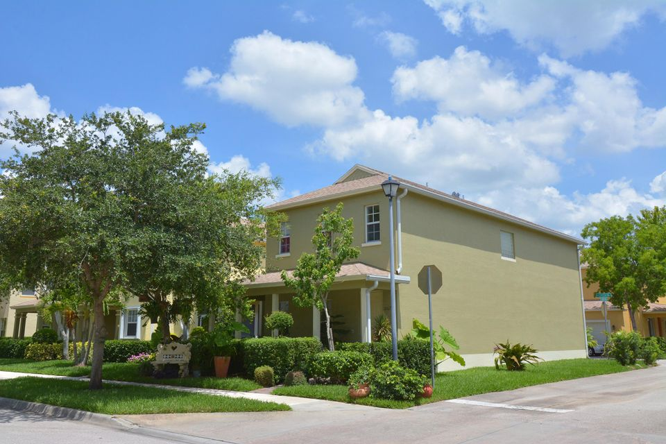 Additional photo for property listing at 2167 SE Bell Isle Drive 2167 SE Bell Isle Drive Port St. Lucie, Florida 34952 Vereinigte Staaten