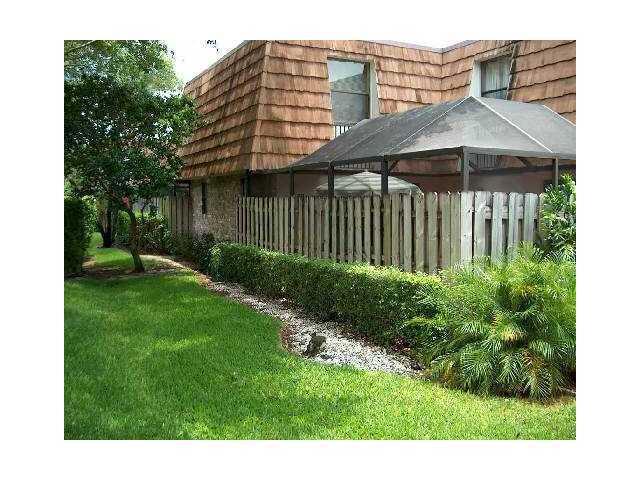 7652 Courtyard Run W, Boca Raton, FL 33433