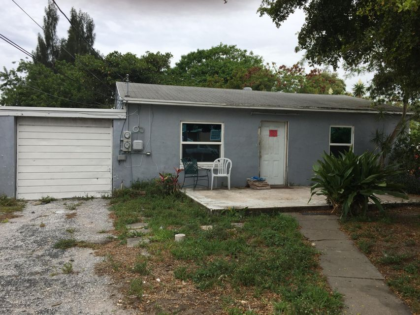 11 Miller Road, Palm Springs, FL 33461