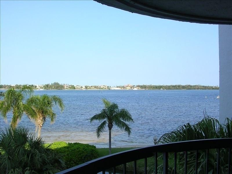 Co-op / Condo for Rent at 8200 Lakeshore Drive Hypoluxo, Florida 33462 United States