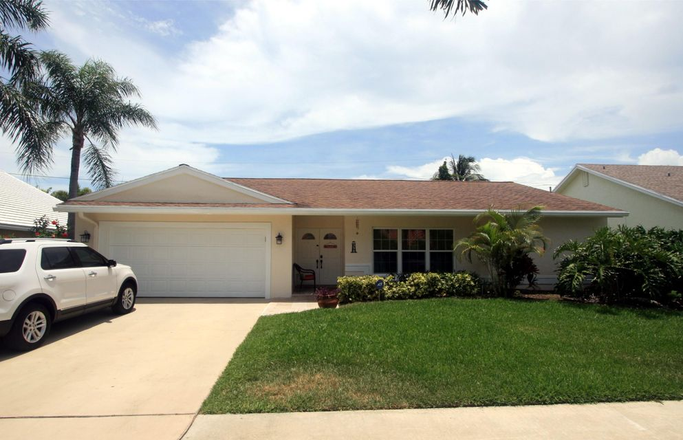398 Apache Lane, Boca Raton, FL 33487