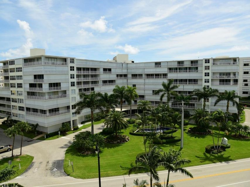 Co-op / Condo for Rent at 3546 S Ocean Boulevard South Palm Beach, Florida 33480 United States