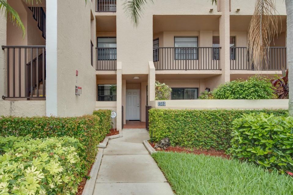 Konsum / Eigentumswohnung für Verkauf beim 7303 Fairfax Drive Tamarac, Florida 33321 Vereinigte Staaten