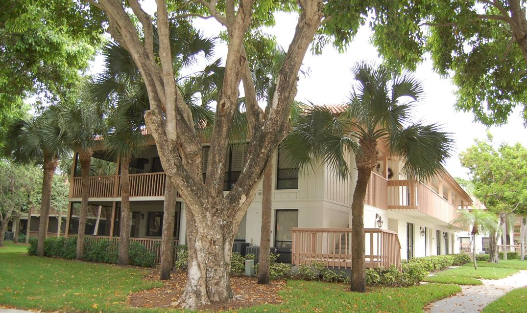505 Brackenwood Place , Palm Beach Gardens FL 33418 is listed for sale as MLS Listing RX-10339538 27 photos