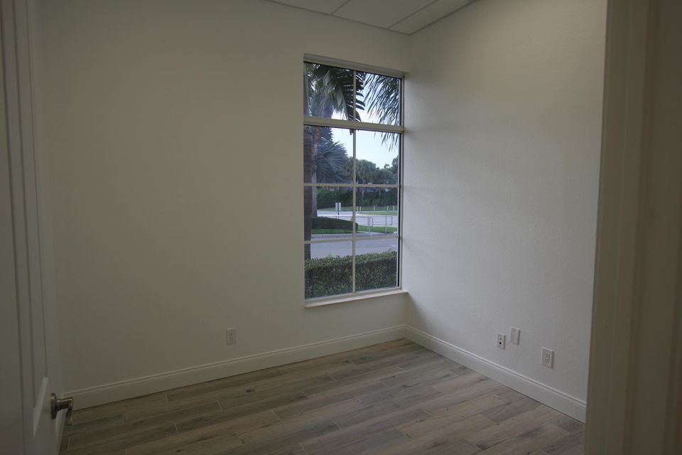 Additional photo for property listing at 3309 Northlake Boulevard 3309 Northlake Boulevard Palm Beach Gardens, Florida 33403 Vereinigte Staaten