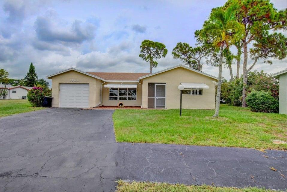 7304 Pineneedle Lane, Lake Worth, FL 33467