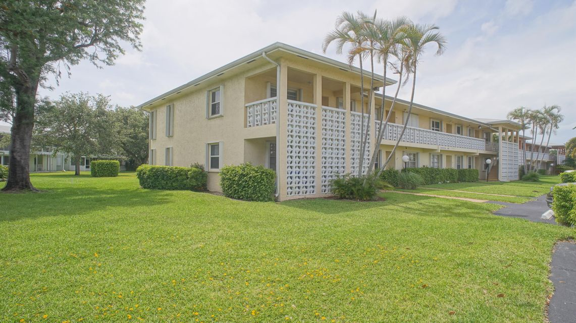 1340 NW 19th Terrace 201, Delray Beach, FL 33445