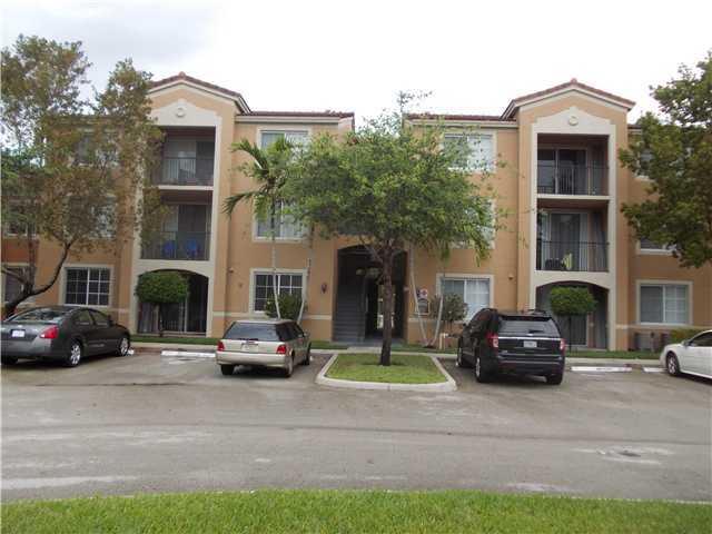 合作社 / 公寓 为 出租 在 8040 N Nob Hill Road 塔马拉克, 佛罗里达州 33321 美国