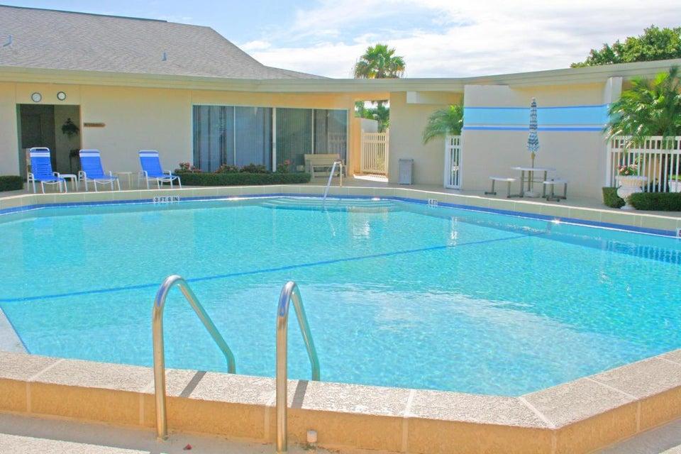 community pool2