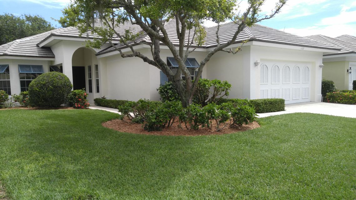 Single Family Home for Sale at 1130 Governors Way 1130 Governors Way Vero Beach, Florida 32963 United States